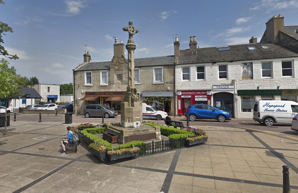Apprentice Boys of Derry Tranent march: wreath stealing and attacks claimed