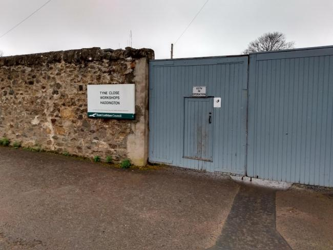 Seven industrial units in the centre of Haddington have been given the go ahead, despite concerns from members of the neighbouring church