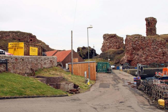 Reports of tombstoning in Dunbar have been highlighted by the town's Coastguard