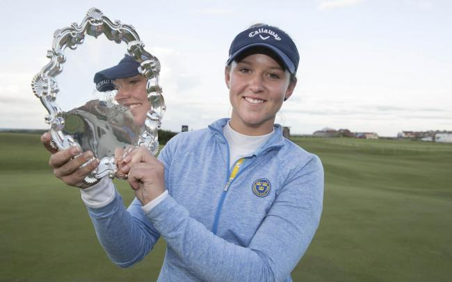 Linn Grant, winner of the Ladies British Open Amateur Stroke Play Championship with her trophy in North Berwick. Image by Steve Welsh/R&A/R&A via Getty Images