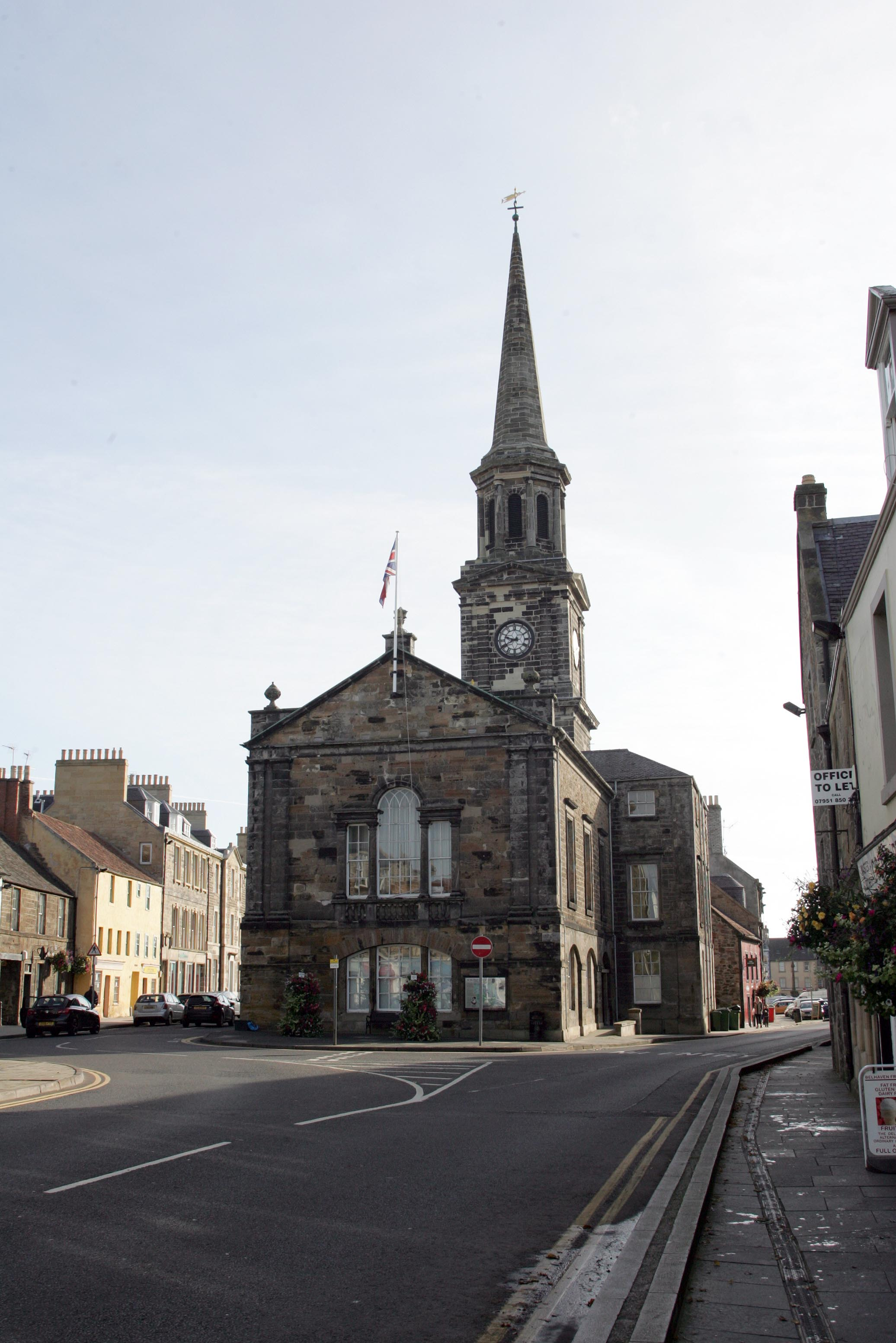 Calls have been made for Haddington's curfew bell at the Town House (pictured) to resume its ringing