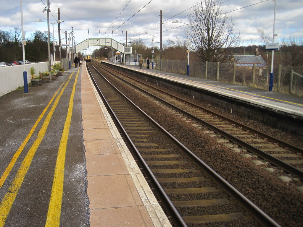 Longniddry Railway Station. Picture copyright Nigel Thompson and licensed for reuse under Creative Commons Licence
