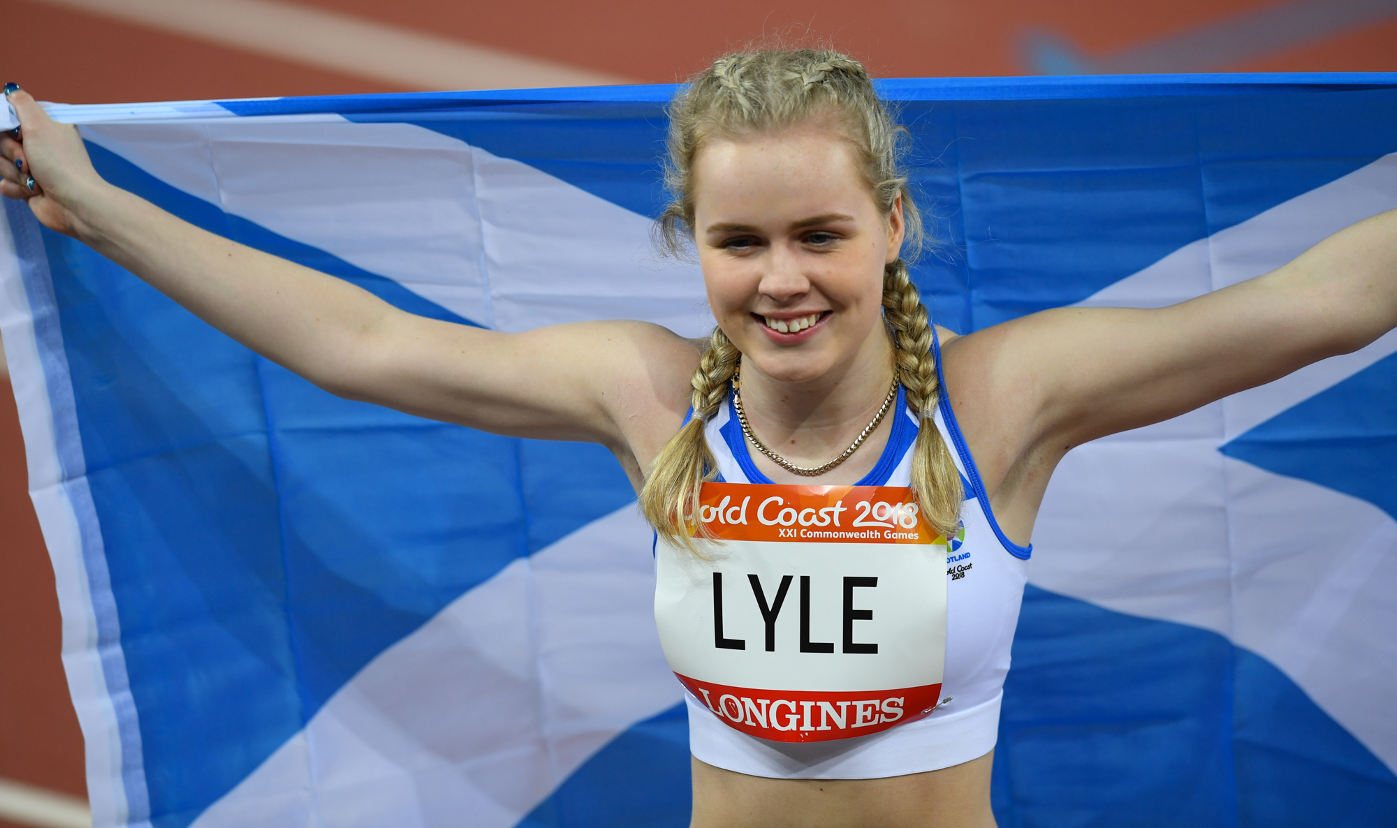 Maria Lyle celebrates her silver medall. Image Kevin McGarry/Team Scotland