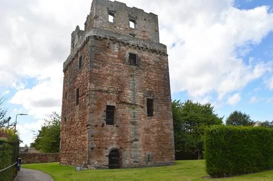 Thanks to funding from the Castle Studies Trust, Dig It! TV is introducing a new audience to sites in southern Scotland, such as Preston Tower, through YouTube and Wikipedia (Image: Emma MacFarlane)