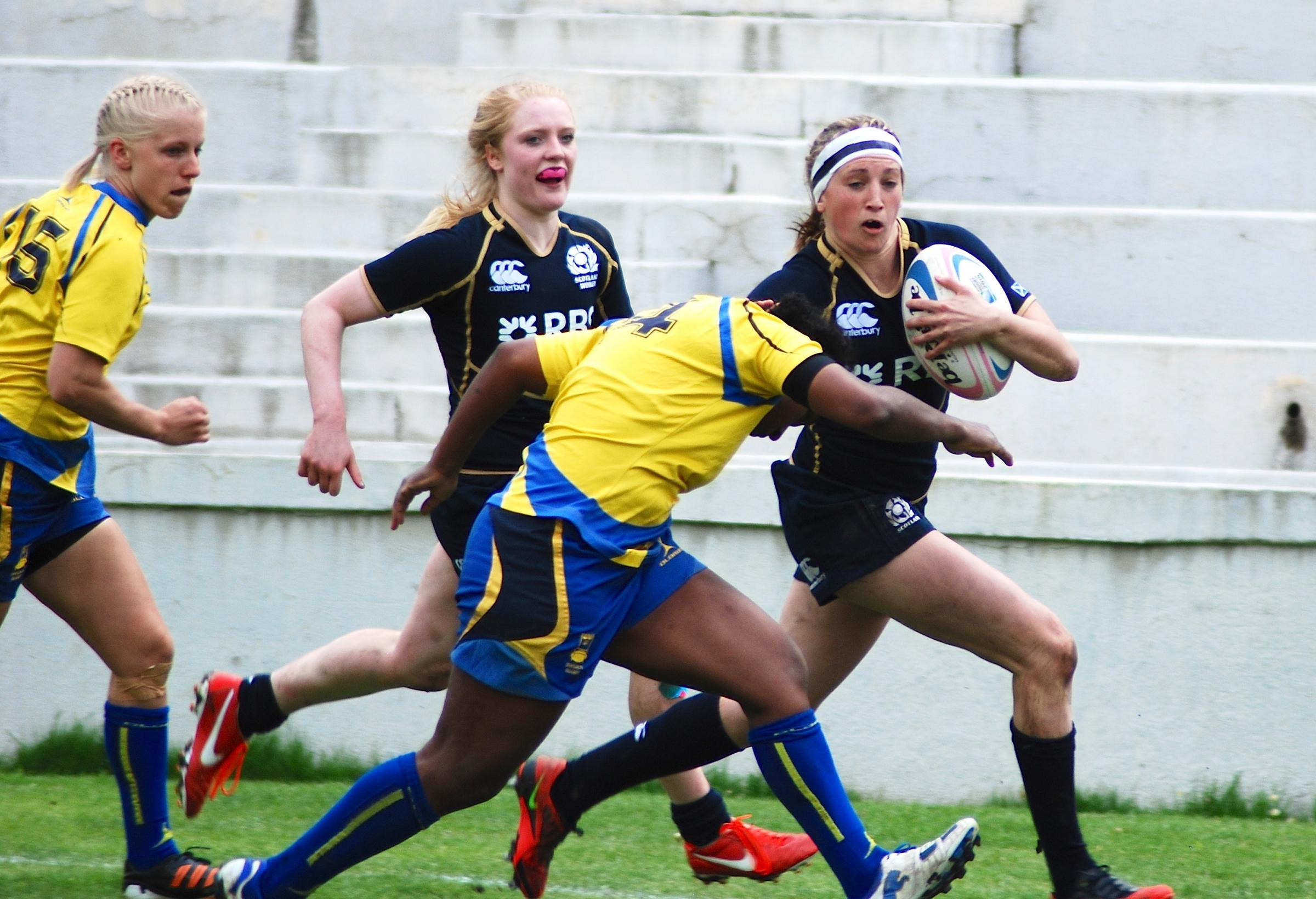 Annabel Sergeant in action for Scotland in 2013. Image courtesy of SRU