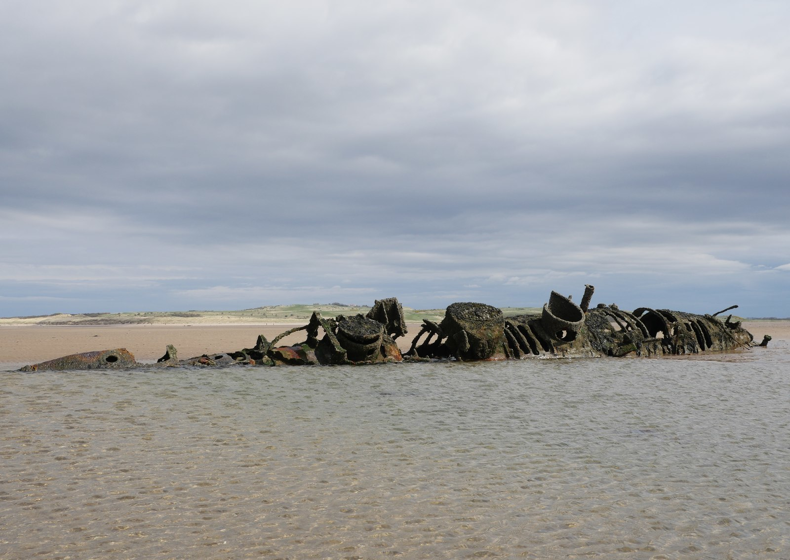 Young girl stuck in 'sinking sands' at Aberlady Bay