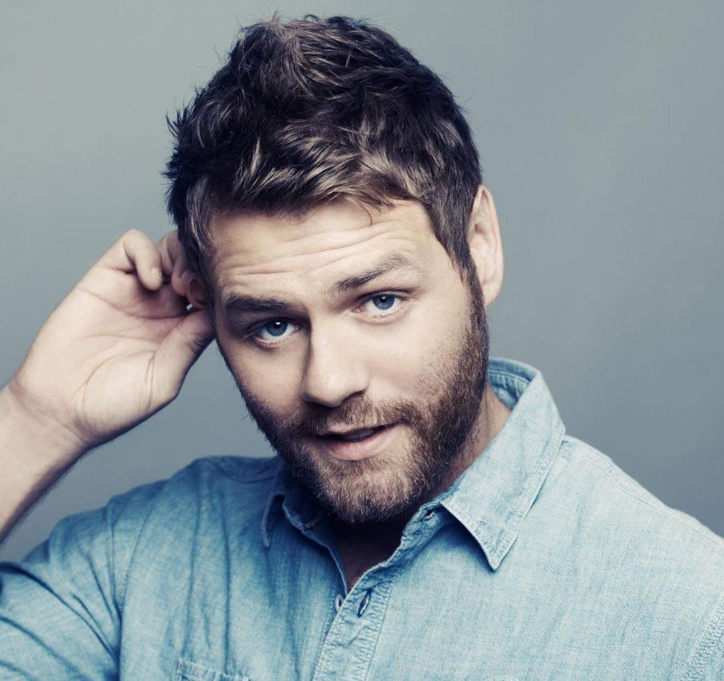 Brian McFadden performing at Ladies Scottish Open